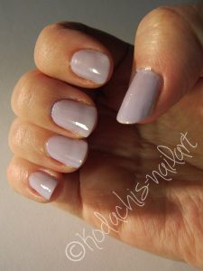 Essie_37_Lilacism_no_flash_rechts