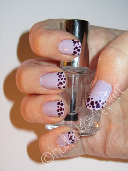 Essie_Lilacism_Catrice_Poison_me_poison_you_flash_rechts2