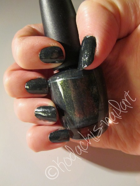 Opi Skyfall Live and let die