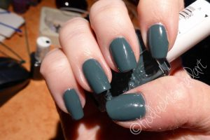 Essie-Vested_interest4