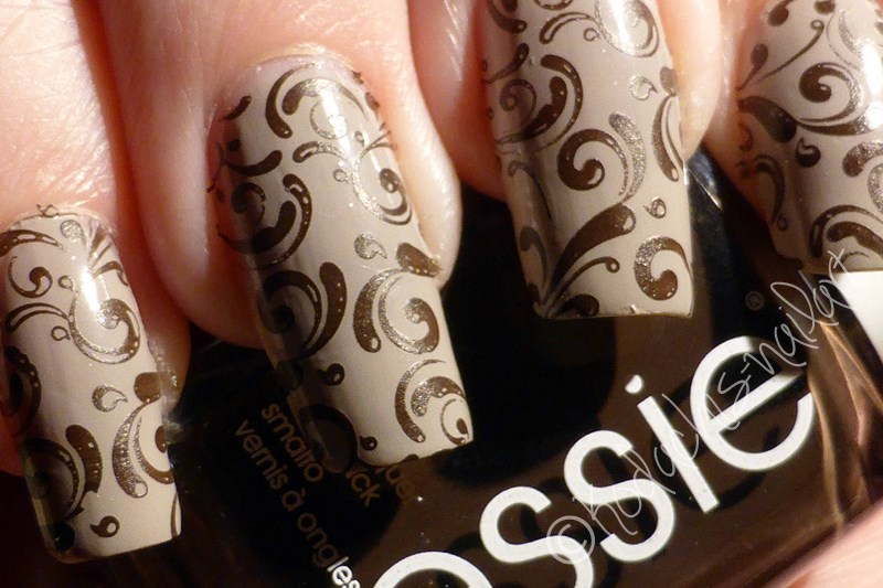 Essie - Take it outside & Partner in Crime Stamping Mani