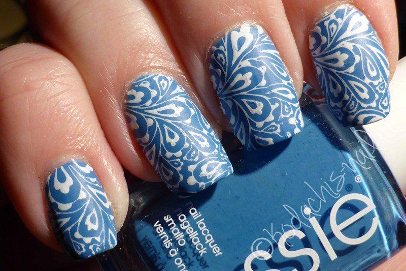 Essie – Avenue Maintain mit weissem Stamping