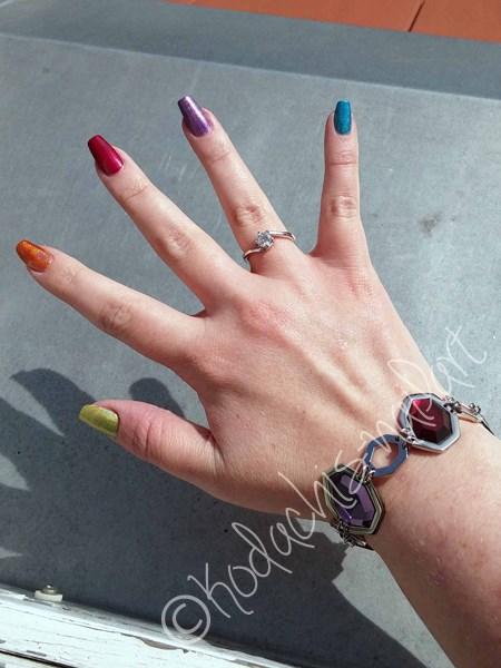 Holo Skittle Mani Hand