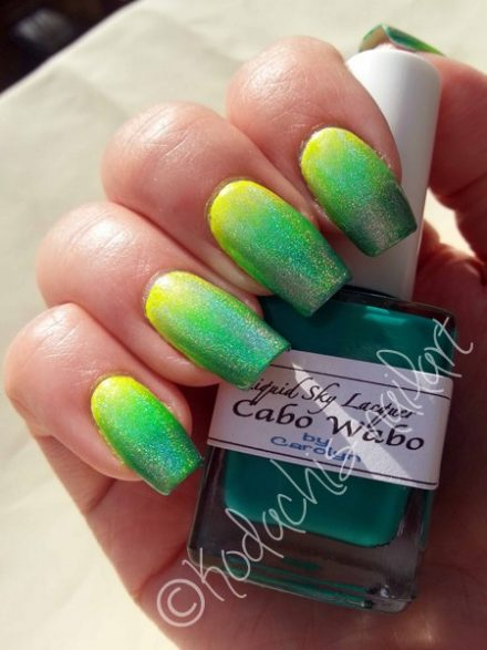 Neon Holo Gradient mit der Cabo Cabana Party Collection von Liquid Sky Lacquer