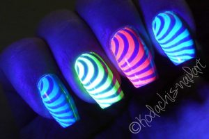 Neon_stamping-blacklight