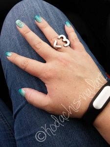 Essie-Gradient_Hand