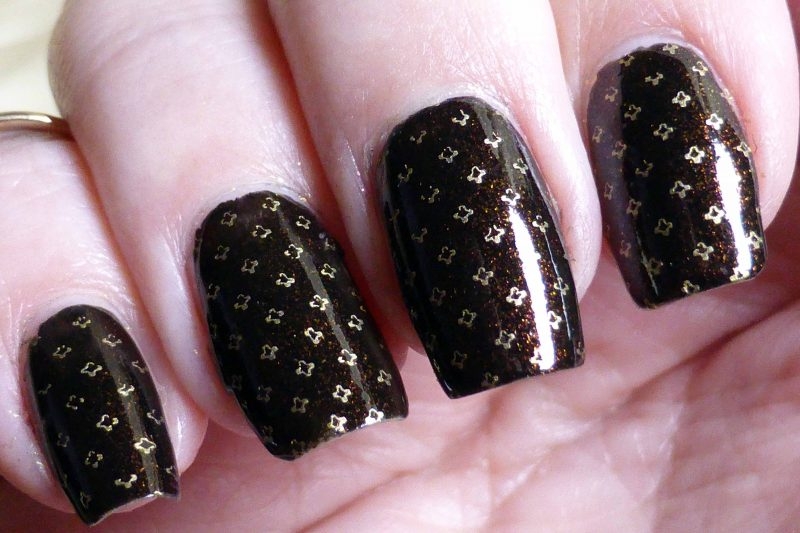 Trend_it_up-Sparkling_Glamour-050_Mani2