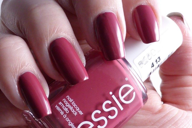 Essie - Mrs always-right