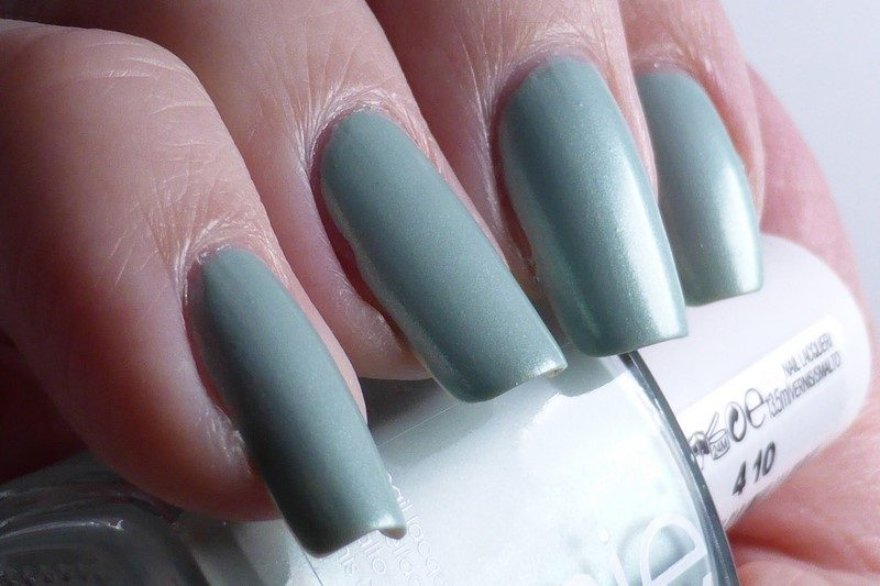 Essie - Passport to happiness