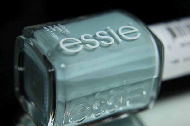 Essie - Strike a pose-itano Bottle - Resort 2017
