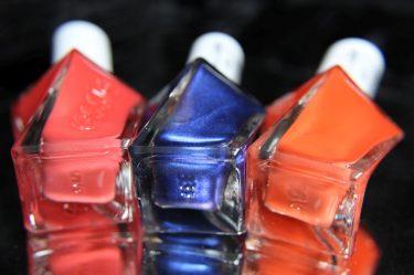 Essie - Gel couture -bottles
