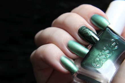 Essie – Jade to measure – holiday collection