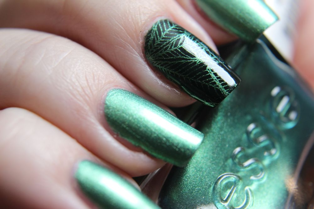 Essie - Jade to measure - Stamping