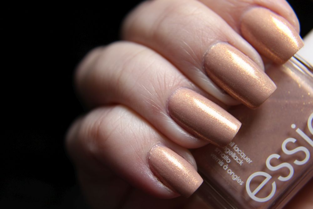 Essie - Srping 2019 - a touch of sugar