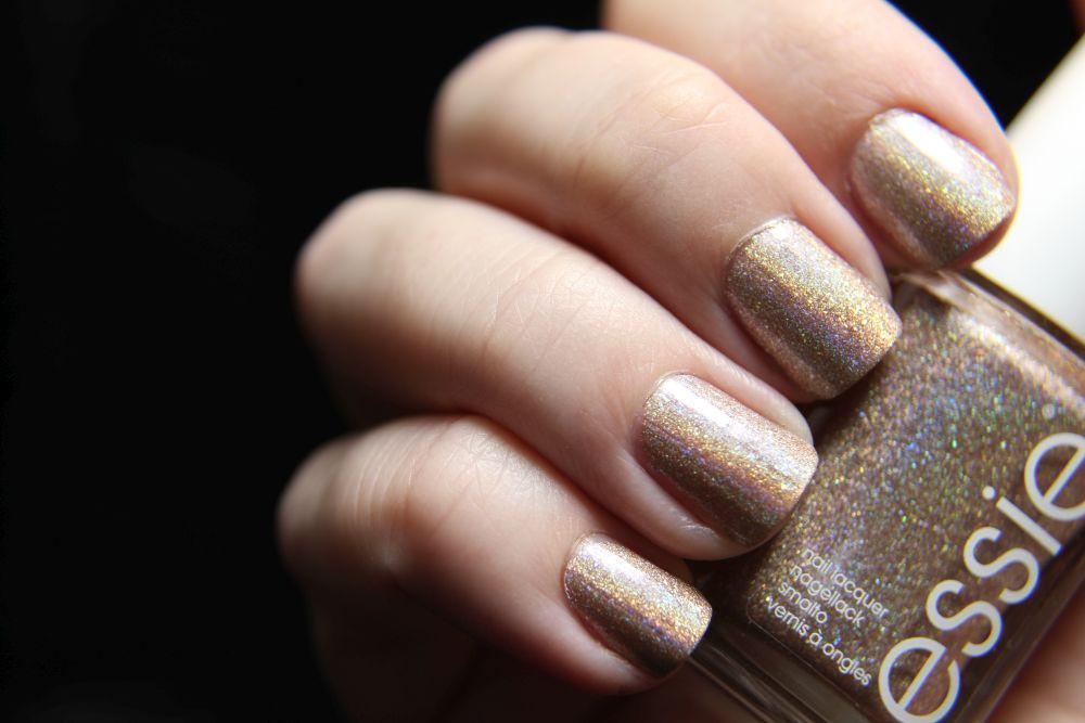 Essie - of quartz