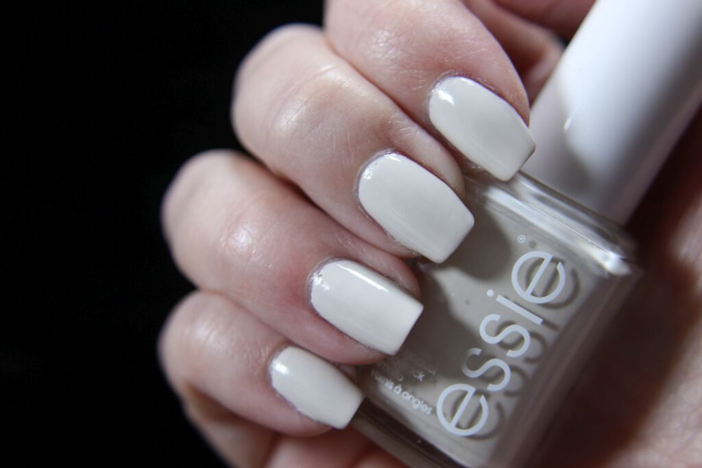 Essie - Happy as Cannes Be