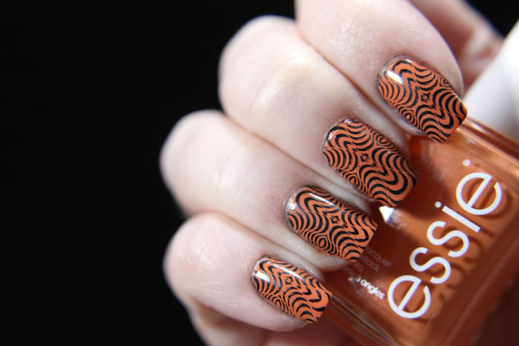 Essie - Madrid it for the gram - Stamping