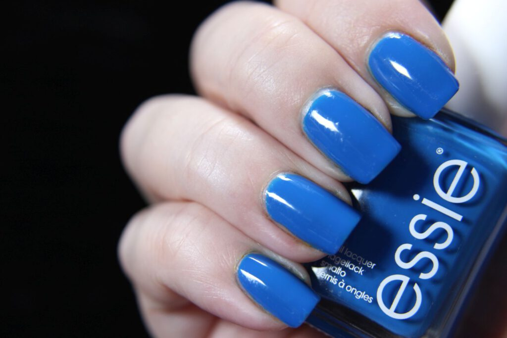 Essie - juicy details